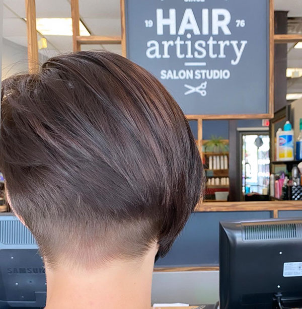 short haircuts for females 2021