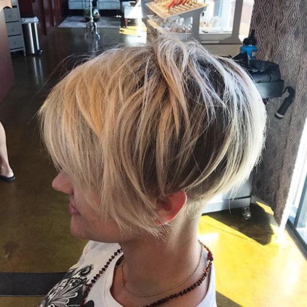 trendy short haircuts 2021
