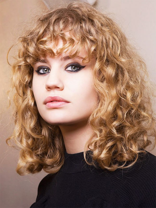 elegant hairstyles for curly hair