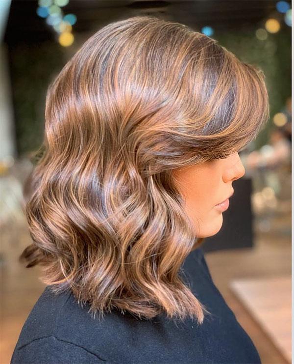 short and wavy haircuts 2021