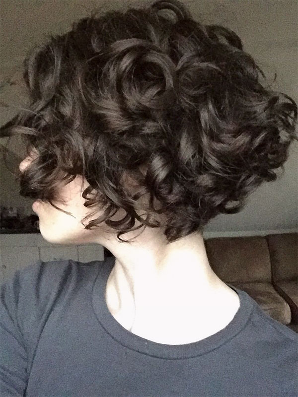 short curly hair cuts for woman